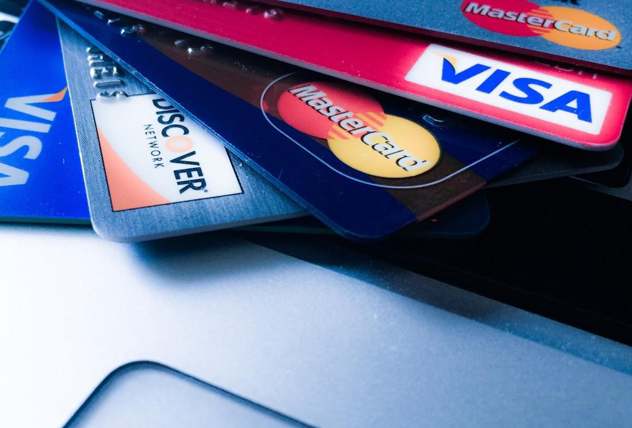 The Pros of Accepting Credit Cards, as a Business Owner